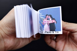 Bride and Groom try Skitbooks Flipbook.